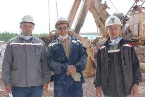 Рационализаторы ПИК: электрослесарь Илья Шандаев, машинист конвейера Станислав Баталов, электромеханик Александр Блок.