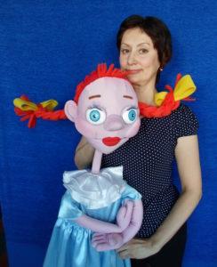 Н.Белоусова с куклой Люсей. Фото: Анна Краснова.