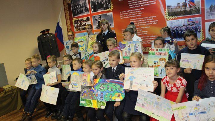 ОМВД Североуральска проводит конкурс «Полиция глазами детей»