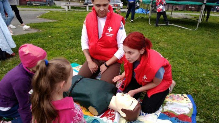 Свердловские волонтеры-медики разнообразят формы профилактической работы с жителями области