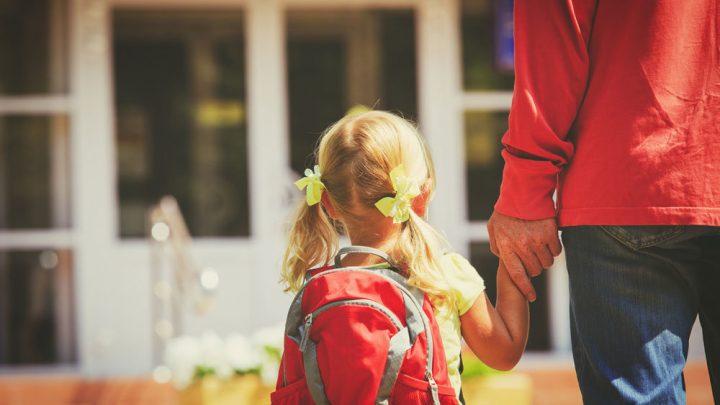 Роспотребнадзор: Ранцы школьников весят вдвое выше нормы Нормы по предельному весу школьного ранца с учебниками и прочими принадлежностями, рекомендованные Роспотребнадзором накануне учебного года, на деле не соблюдаются.