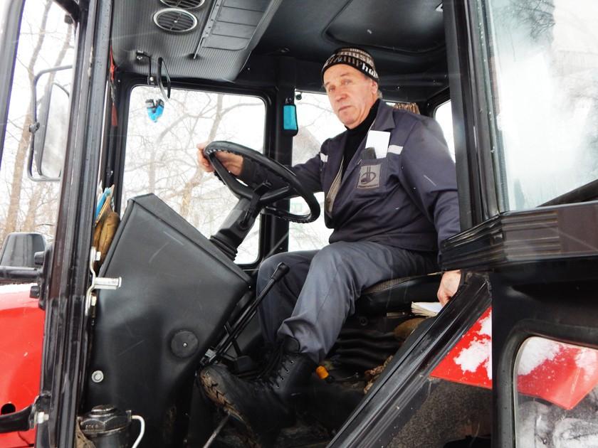 Погода не застала нас врасплох Работники МУП «Комэнергоресурс» не позволяют снегопадам портить жизнь североуральцев.