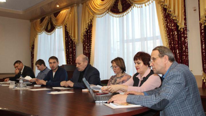 Откровенный разговор с депутатом Госдумы Депутат Государственной Думы Антон Шипулин посетил ряд северных городов, в том числе Североуральск, где провёл личный приём граждан.