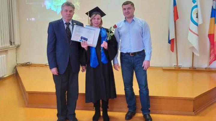 Торжественный итоговый момент В Образовательном центре вручили дипломы выпускникам УрГЭУ.
