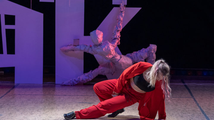 Арт на «Чердаке» Седьмой раз Североуральск принимает участников конкурса импровизации «Чердак»
