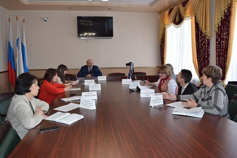 Обсуждаем спектр тем 17 марта на очередной пресс-конференции глава округа Василий Матюшенко ответил на самые разные вопросы