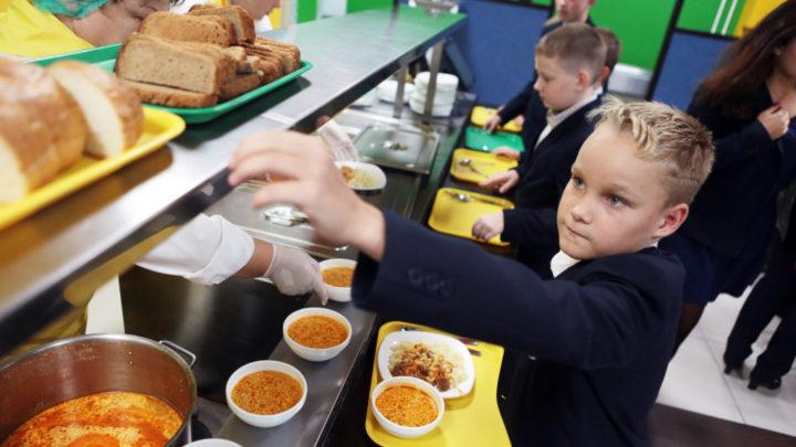 Компенсация на питание учеников Школы начали прием документов на выплату компенсаций на питание учащихся, относящихся к льготным категориям