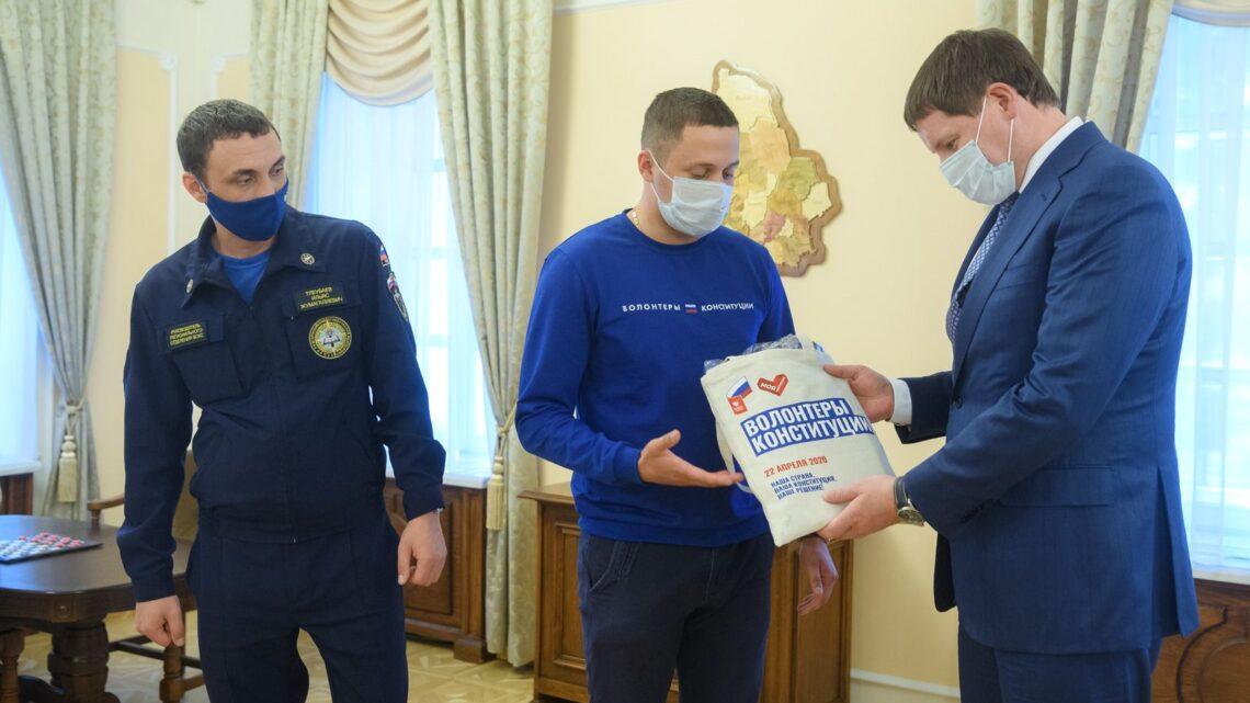 В Свердловской области заработали информационные точки Всероссийского общественного корпуса «Волонтеры Конституции»