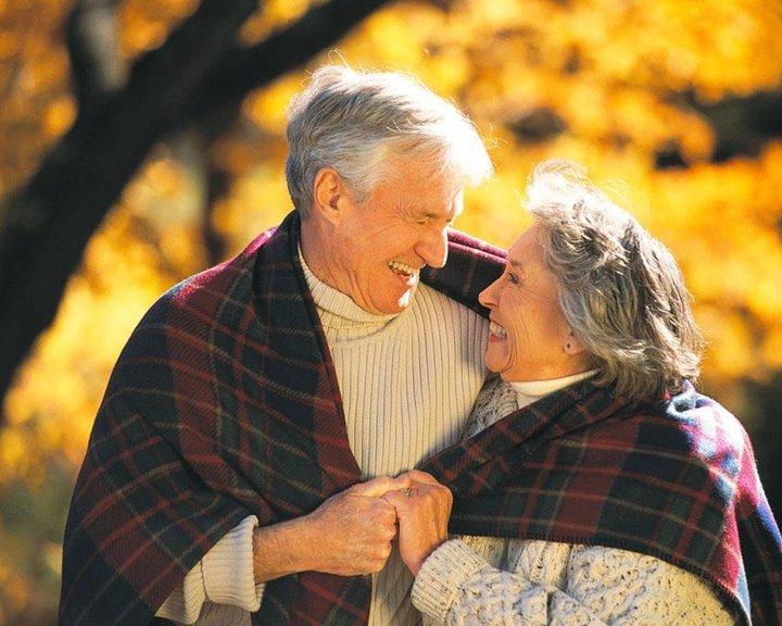 От всей души поздравляем вас с тёплым и сердечным праздником –Днём пенсионера!