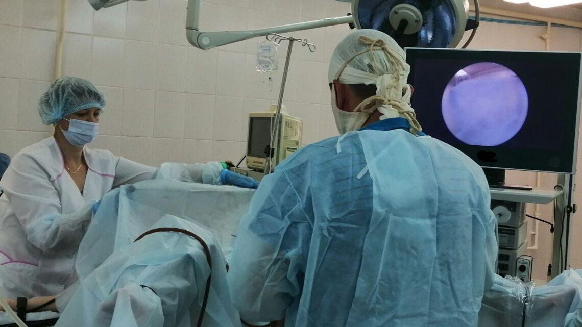 Первая на Урале отечественная лапароскопическая стойка введена в эксплуатацию в свердловской больнице