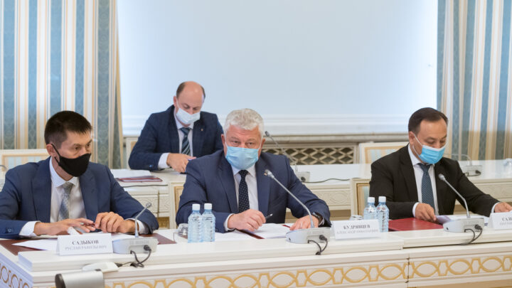 Евгений Куйвашев поручил обеспечить в Свердловской области антитеррористическую защищенность школ и участков для голосования