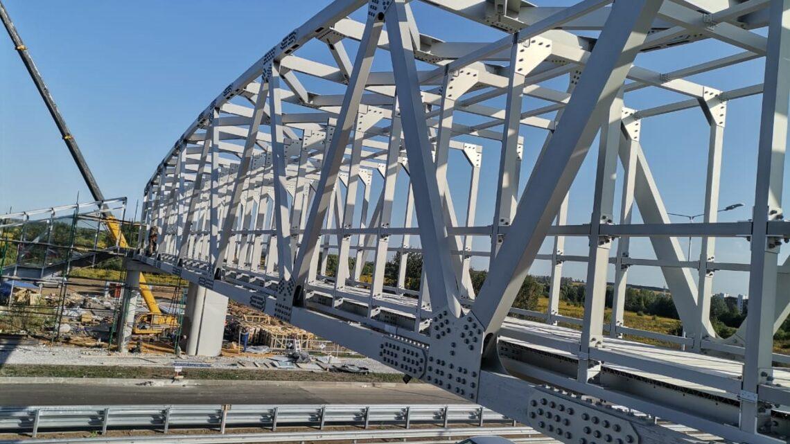 В Туле завершается возведение первого в ЦФО моста из алюминия