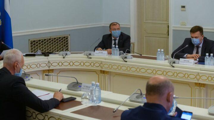 Свердловским правительством принято решение о приеме в областную собственность учреждений здравоохранения Екатеринбурга