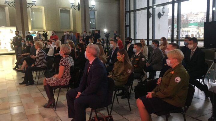 Свердловские волонтеры получили медали Президента РФ за вклад в организацию Общероссийской акции #МыВместе