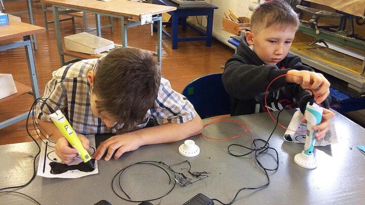 Уникальный мир бесконечных возможностей Юлия Шнайдер – одна из двух учительниц в Североуральске, которые взяли на себя смелость вести технологию у мальчиков