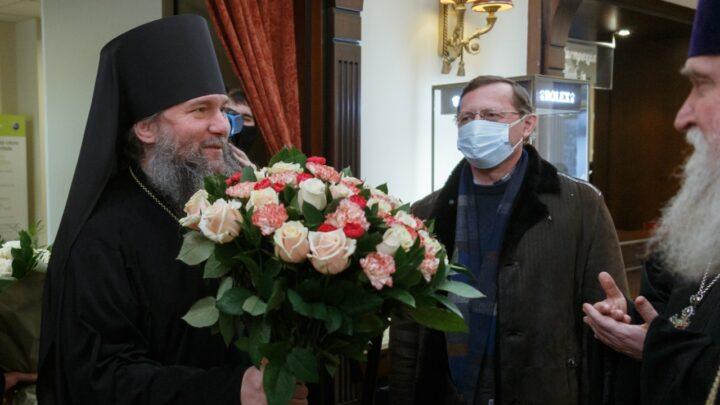 Глава Екатеринбургской митрополии преосвященный владыка Евгений прибыл в Екатеринбург