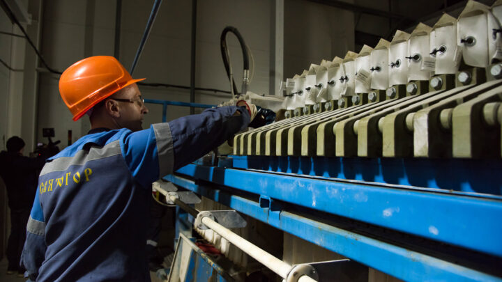 Лучшие салфетки для очистных – износостойкие! На Северном медно-цинковом руднике АО «Святогор» завершились опытно-промышленные испытания фильтровальных салфеток для очистных Ново-Шемурского месторождения