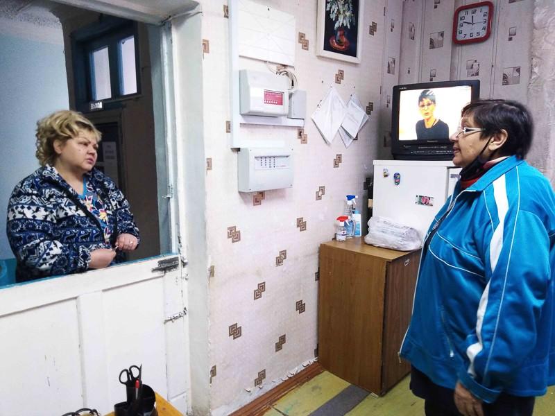 Общежитие: живём и работаем одной семьёй В ведении службы по обслуживанию жилья МУП «Комэнергоресурс» находятся все общежития города, в которых проживают 217 североуральцев
