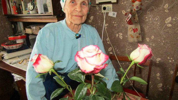 Руки просят дела и в девяносто три Моему другу и коллеге, ветерану Марии Ярославцевой в начале февраля исполнилось девяносто три года