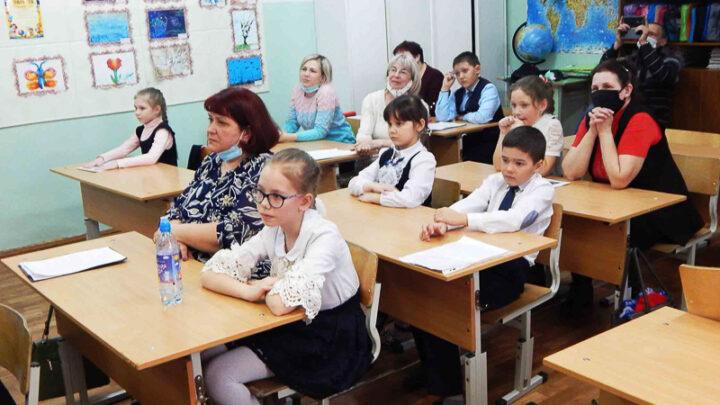 Конкурс будущих учёных 15 марта в школе №1 прошел XV муниципальный этап конкурса исследовательских работ и творческих проектов дошкольников и младших школьников «Я – исследователь»