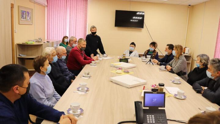 Год Героев продолжается Депутаты городской думы встретились с родителями североуральцев, воевавших в горячих точках