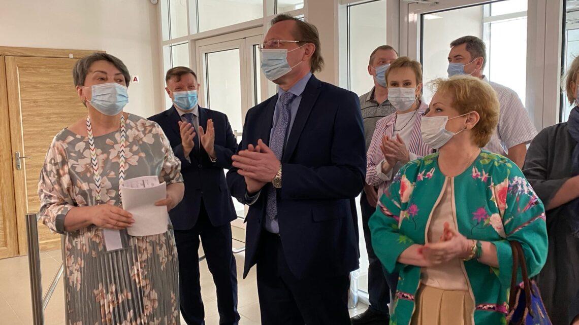 Губернатор Евгений Куйвашев помог Уральскому хореографическому колледжу обрести новое здание