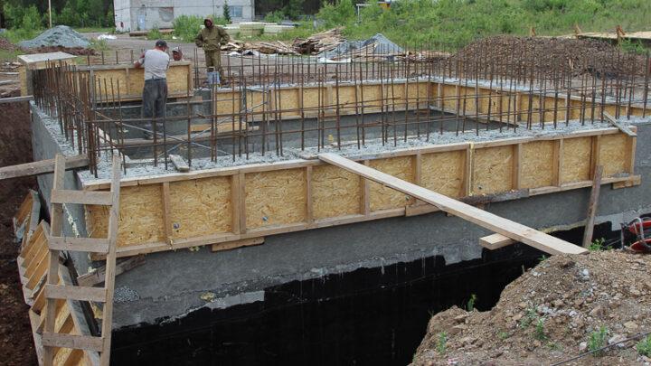 На очистных сооружениях шахты «Черёмуховская» ведутся ремонтные работы. Подрядчики пришли на объект в конце прошлого года