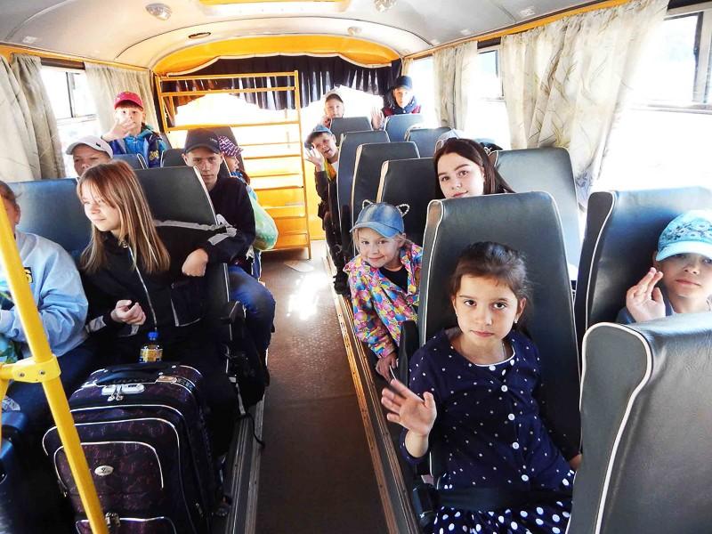 В Североуральский детский загородный лагерь имени В. Дубинина заехала вторая смена