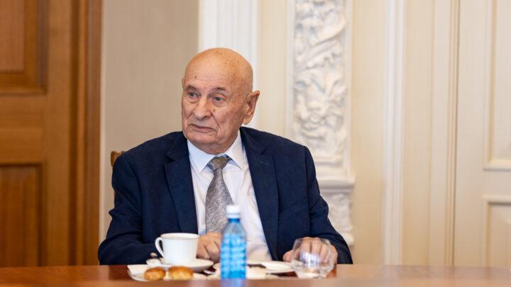 Семёну Спектору вручён знак отличия «За заслуги перед Свердловской областью» первой степени.