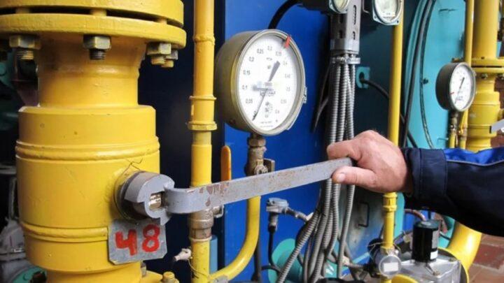Евгений Куйвашев поручил правительству держать под постоянным контролем ход пуска тепла в Свердловской области