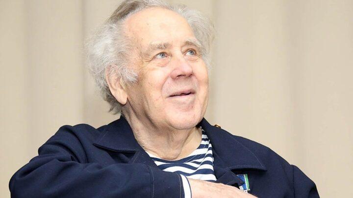 Евгений Куйвашев принял решение об увековечении памяти Владислава Крапивина
