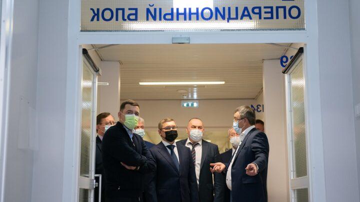 Евгений Куйвашев высоко оценил потенциал центра «Микрохирургия глаза» по повышению доступной медицинской помощи уральцам